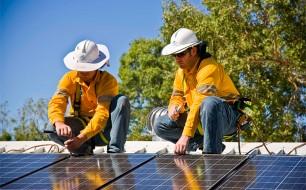installing solar panels - image courtesy APVI